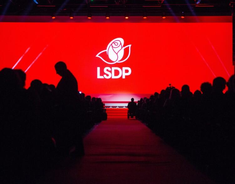Socialdemokratai: merai neturi būti iškamšomis ar kišeniniai